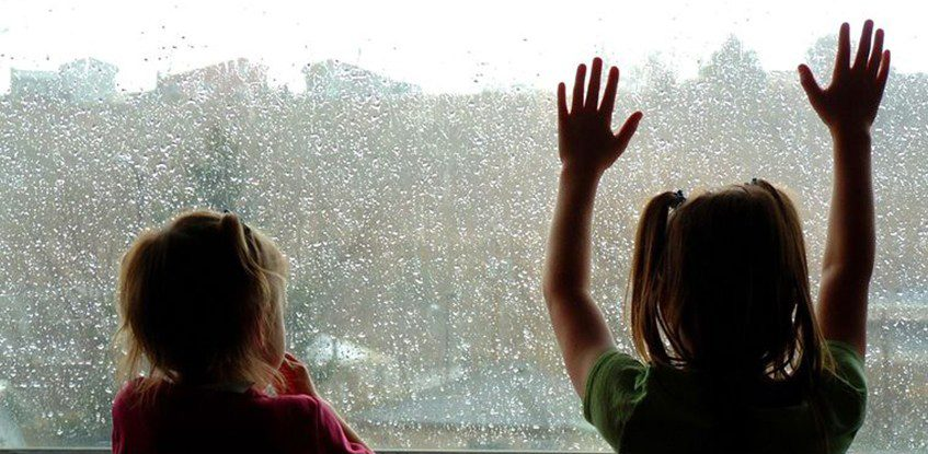 rainy-day-activities-for-kids.jpg