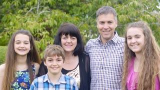 Great Kiwi Families: Risdale Family