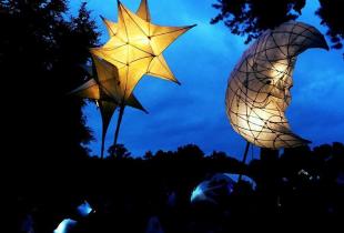 Matariki-sky lanterns