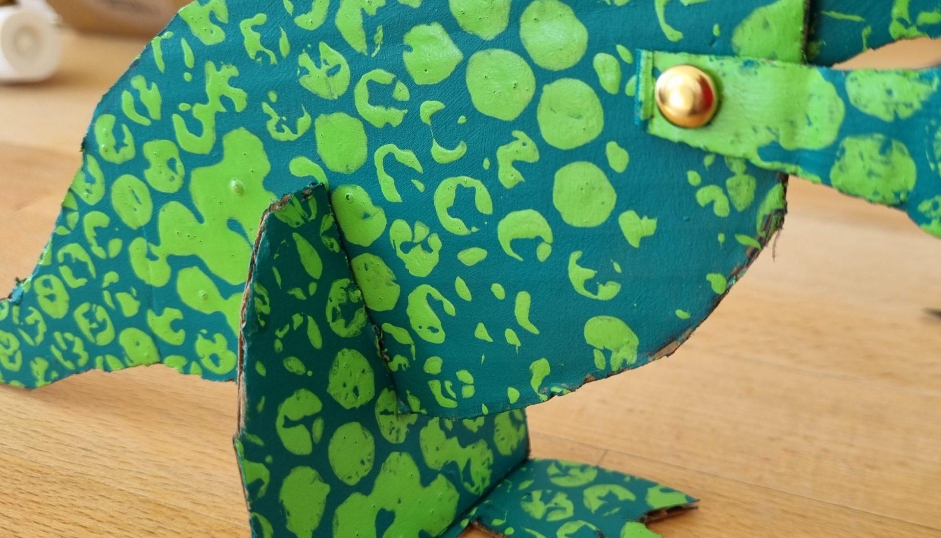 Cardboard Dinosaur - Craft legs