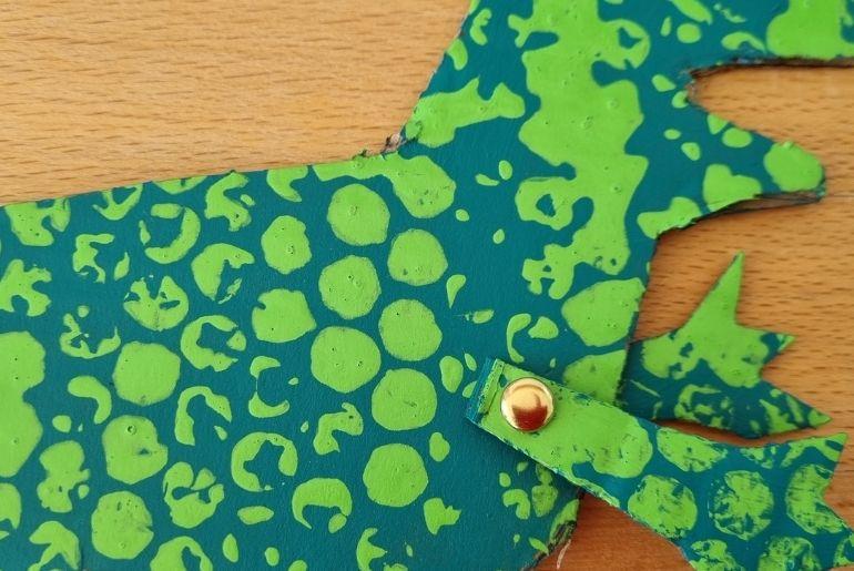 Cardboard Dinosaur - Craft split pin